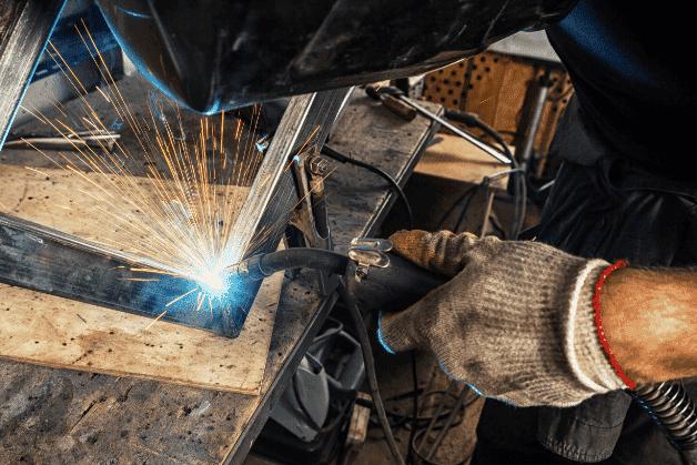 BulDesk welder making office furniture and desks