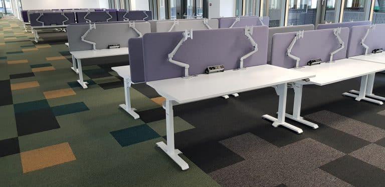 Модерни офиси в Европа и България с електрически бюра BulDesk Pro Plus