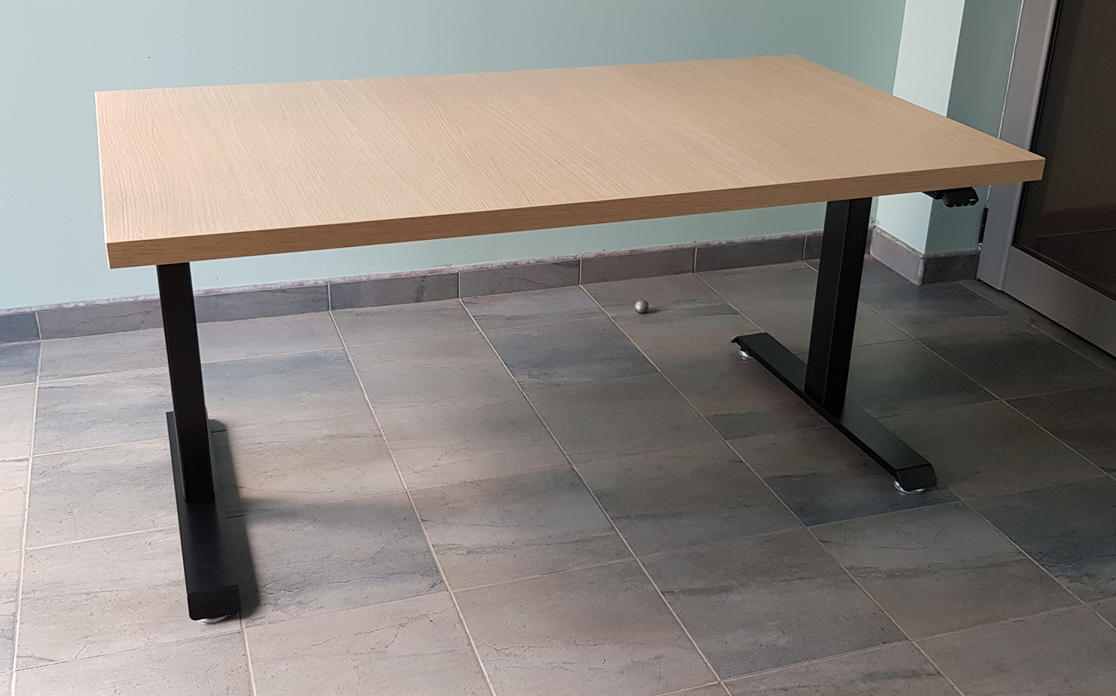 Electric desk BulDesk Pro black base and Oak worktop 36 mm thickness