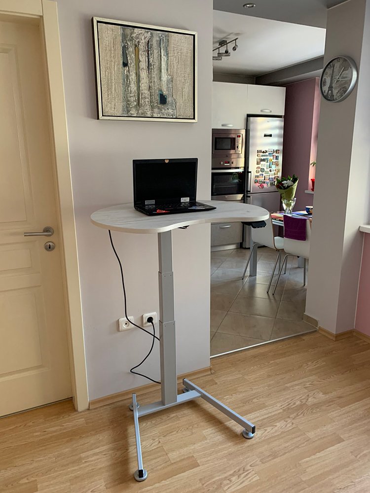 Home office with height adjustable desk BulDesk Pro One