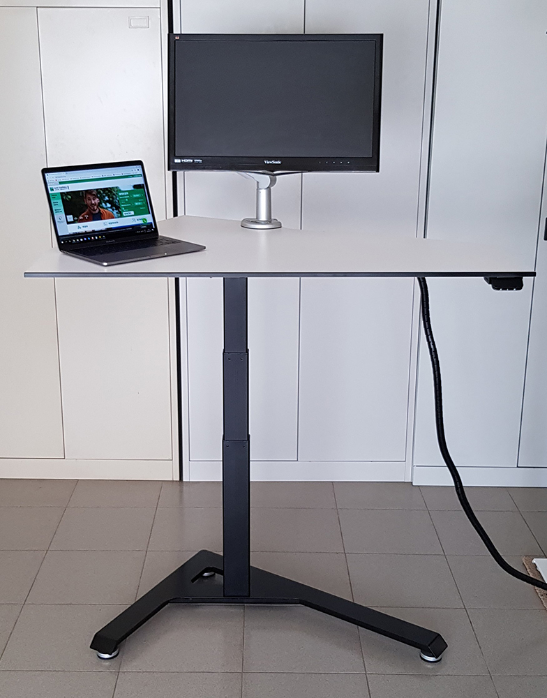 Standing desk BulDesk Pro One for healthy office environment