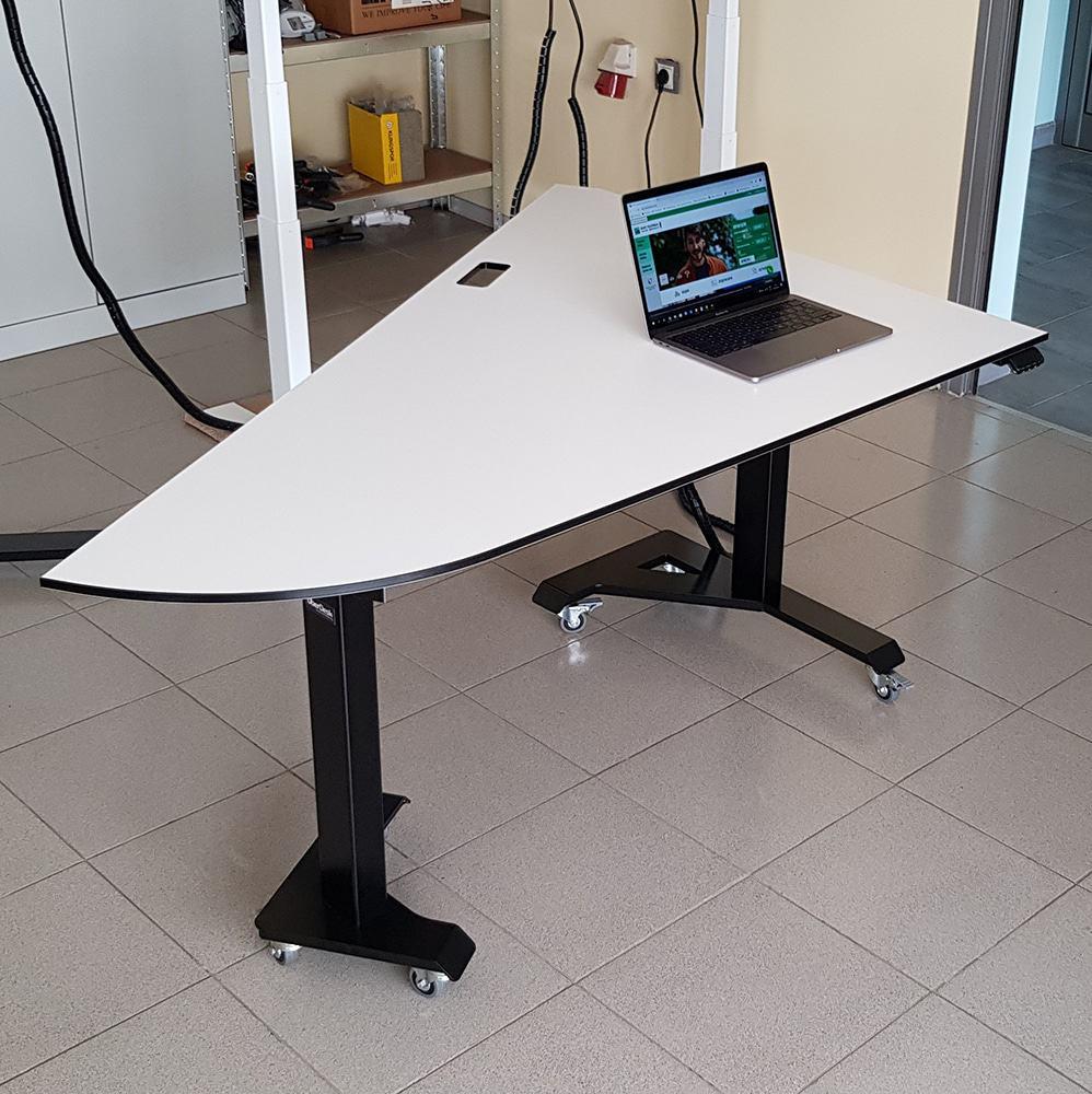 Electric height adjustable desks BulDesk and office furniture